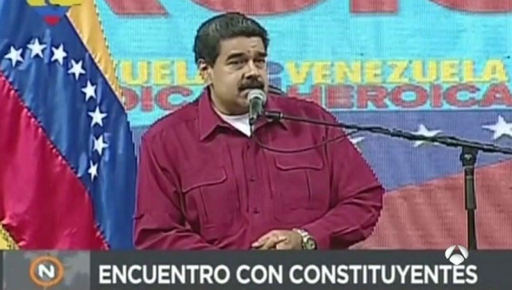 Maduro retrasa la Asamblea Constituyente a este viernes