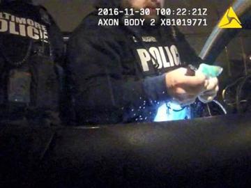 Los policías de Baltimore con la droga