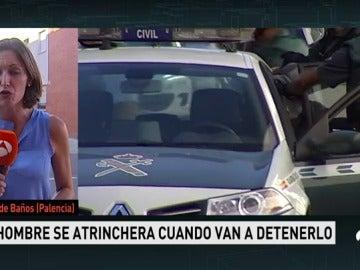 """Arrestan el hombre que se encerró en casa y amenazó con """"rajar"""" a los agentes"""