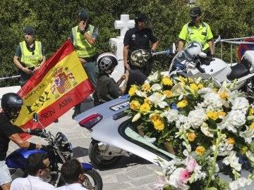 Cientos de motos en el último adiós a Ángel Nieto
