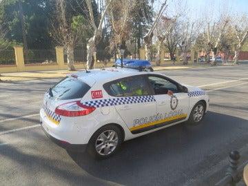 Detenido un hombre acusado de asestar seis puñaladas a su mujer en Sevilla