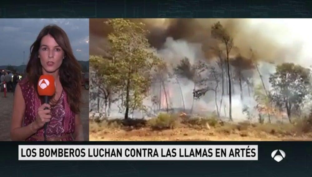 El incendio declarado este sábado en Barcelona afecta ya a 300 hectáreas, la mayor parte terreno forestal