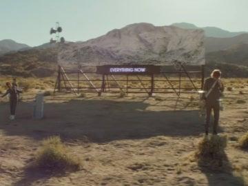 Videoclip de 'Everything Now' de Arcade Fire