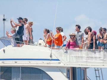La familia y amigos íntimos de Ángel Nieto esparcen sus cenizas en Ibiza