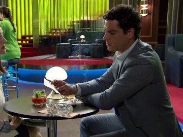 Pitu propone un comprometido negocio a Rafael