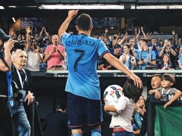 David Villa celebra su 'hat trick' ante el Red Bulls de Nueva York