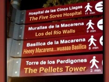 Polémica por la traducción al inglés de los nuevos carteles turísticos en Sevilla