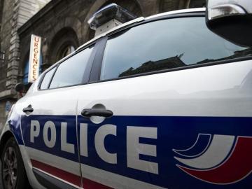 Coche de de la policía francesa