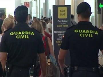 """La Policía asume que la Guardia Civil intervenga en El Prat, pero pide que no se """"vulneren los derechos de los trabajadores"""""""