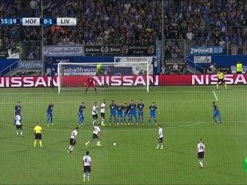 El golazo de falta directa de Alexander-Arnold para adelantar al Liverpool ante el Hoffenheim
