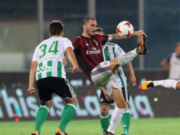 Bonucci, durante el partido del Milan contra el Betis