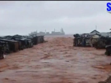 Más de 300 muertos en Sierra Leona por un desprendimiento de terreno a causa de las lluvias