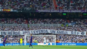 La pancarta del Bernabéu recordando a Ángel Nieto