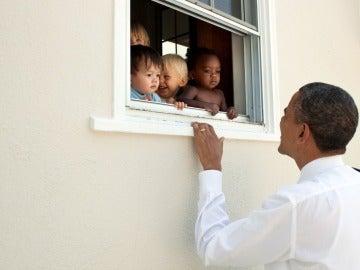 Foto compartida por Obama para condenar la violecia racista