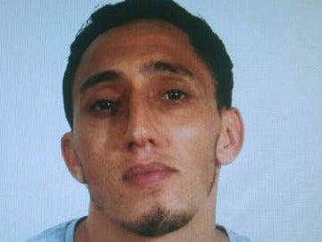 Driss Oukabir, el sospechoso por el atentado de Barcelona, se presenta ante los Mossos y denuncia el robo de su documentación