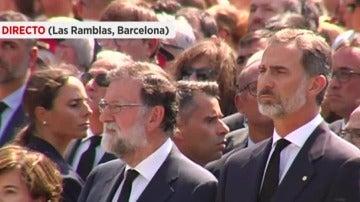 Rajoy y el Rey en la Plaza Cataluña