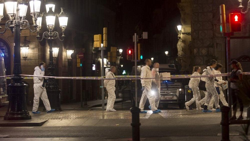 Mossos d´Esquadra de la brigada científica en Barcelona