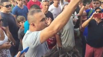"""El grito tajante de un musulmán en mitad de Las Ramblas: """"Amamos este país, no somos terroristas"""""""