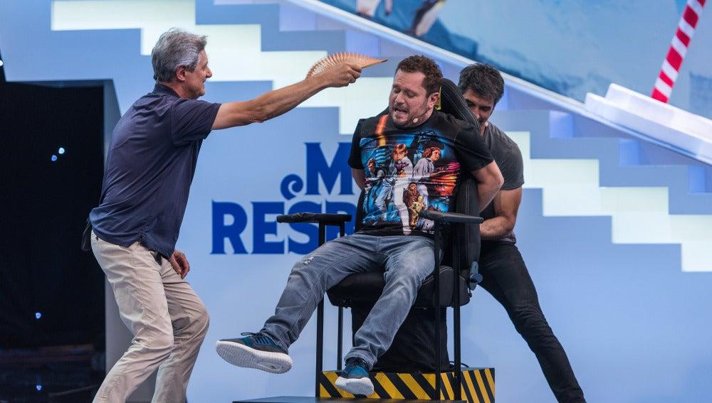 El Monaguillo, el invitado de 'Me Resbala' que más calambrazos se ha llevado en la historia del programa