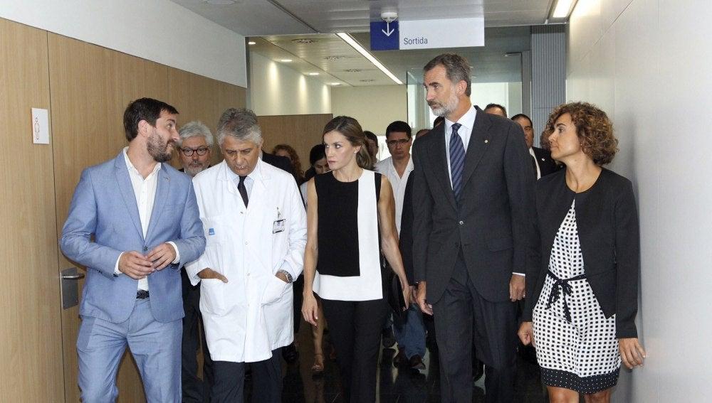 El Rey Felipe VI y la reina Letizia en el hospital