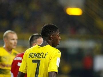 Dembelé, durante un partido con el Dortmund