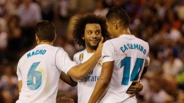 Los jugadores del Real Madrid celebran el gol de Casemiro frente al Deportivo