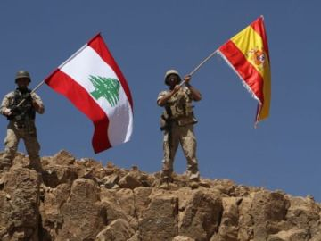 El ejército libanés ondea una bandera española