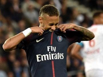 Neymar, en su debut en el Parque de los Príncipes