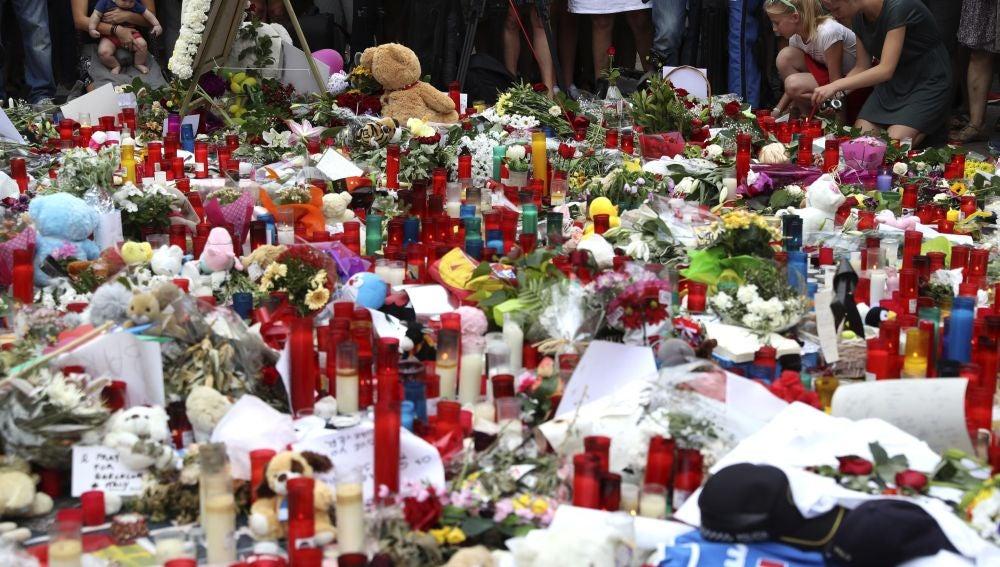 Homenaje en Las Ramblas de Barcelona