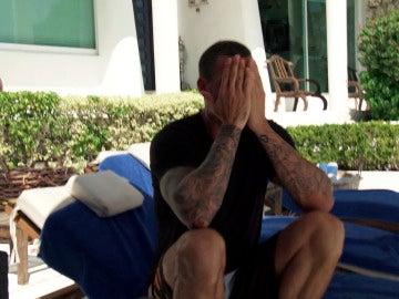 Juan, muy agobiado con la situación, se sincera con Zalma