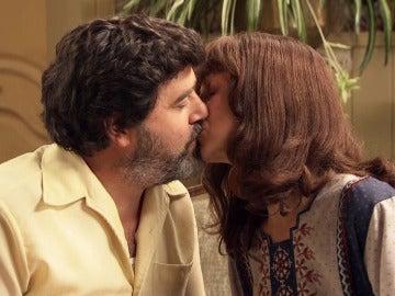 Benigna no logra separar a Camilo y Violeta