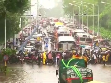 Un monzón deja en India, Nepal y Bangladesh miles de muertos y millones de damnificados