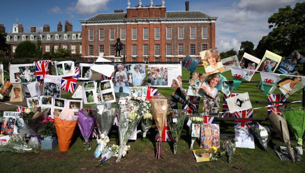 Kensington Palace durante el 20 aniversario de la muerte de la princesa Diana (31/08/2017)