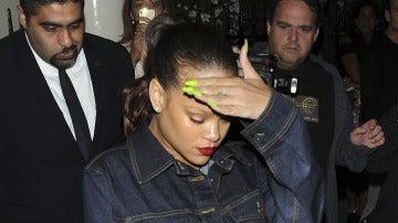 Rihanna no tiene el día para fotos