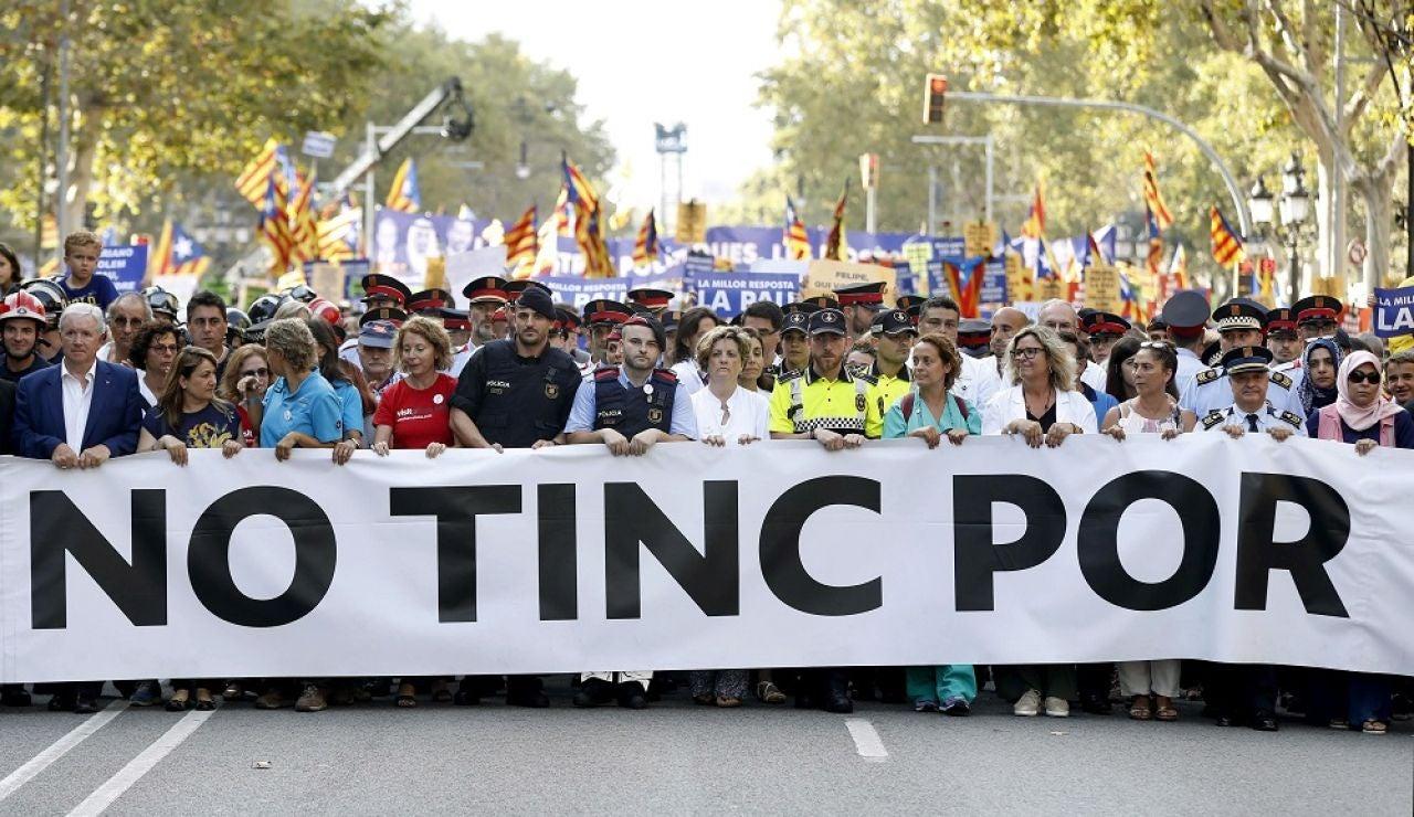 """Cabecera de la manifestación contra el terrorismo celebrada el pasado 26 de agosto en Barcelona bajo el lema """"No tinc por"""""""
