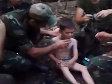 El niño, al ser rescatado