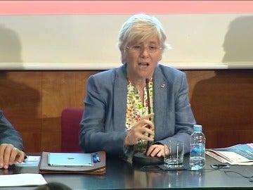 La Consellera de Enseñanza pide disculpas por quedarse sin palabras en castellano durante una rueda de prensa