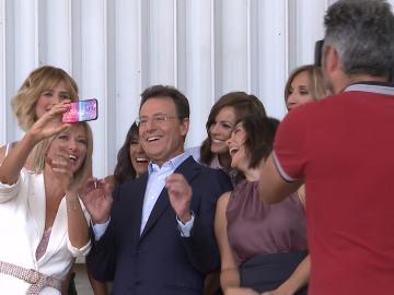 Los presentadores de Antena 3 Noticias se hacen un selfie