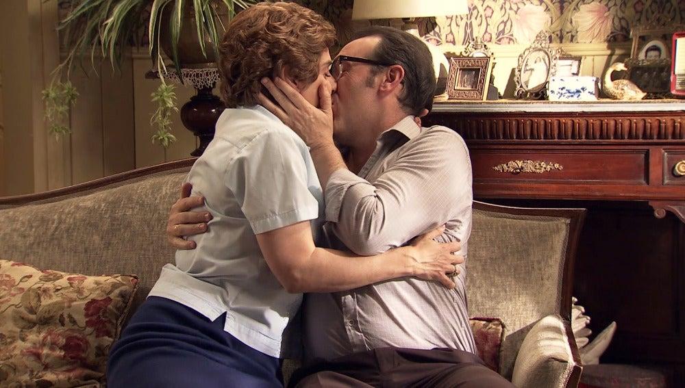 """Benigna, muy arrepentida, logra el perdón de Benito: """"Te amo con locura"""""""