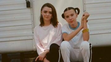 Millie Bobby Brown y Maisie Williams juntas