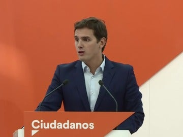 """Rivera: """"Le pedimos a Rajoy que no mire para otro lado como el 9-N"""""""