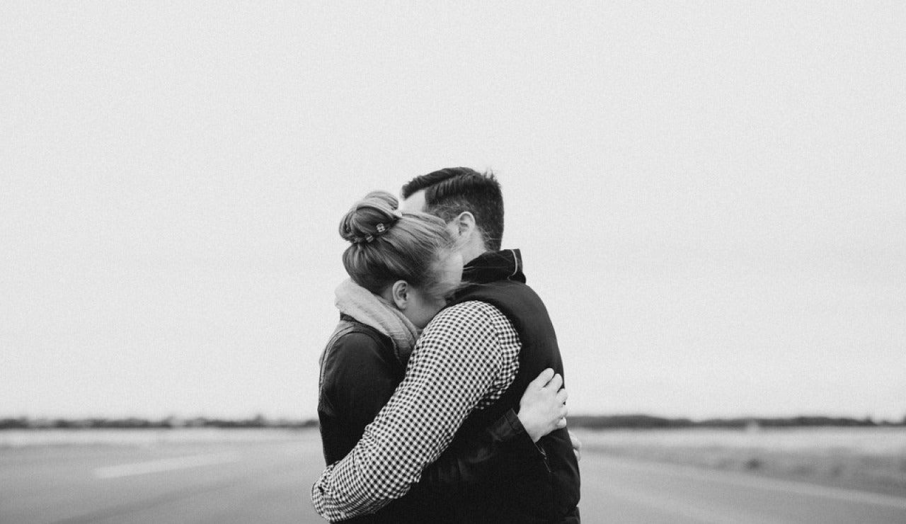 Día Internacional del Abrazo 2021: El coronavirus nos deja sin abrazos, ¿cómo nos afecta?