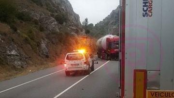 Los servicios de emergencias llegan al lugar del accidente