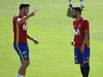 Saúl y Villa en el entrenamiento de la Selección