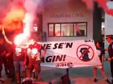 Escrache de Arran al cuartel de la Guardia Civil de Barcelona