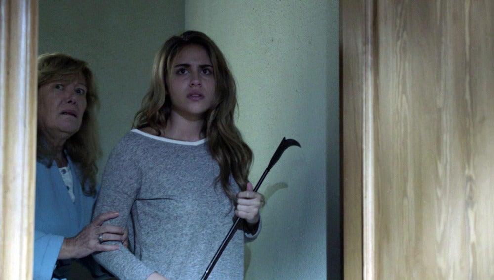 Esther pilla a Ana cuando colocaba cámaras ocultas en su casa