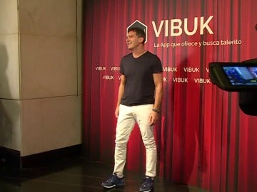 Antonio Banderas presenta Vibuk, una red social orientada al talento artístico y al empleo