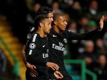 La 'MCN' celebra uno de sus goles contra el Celtic