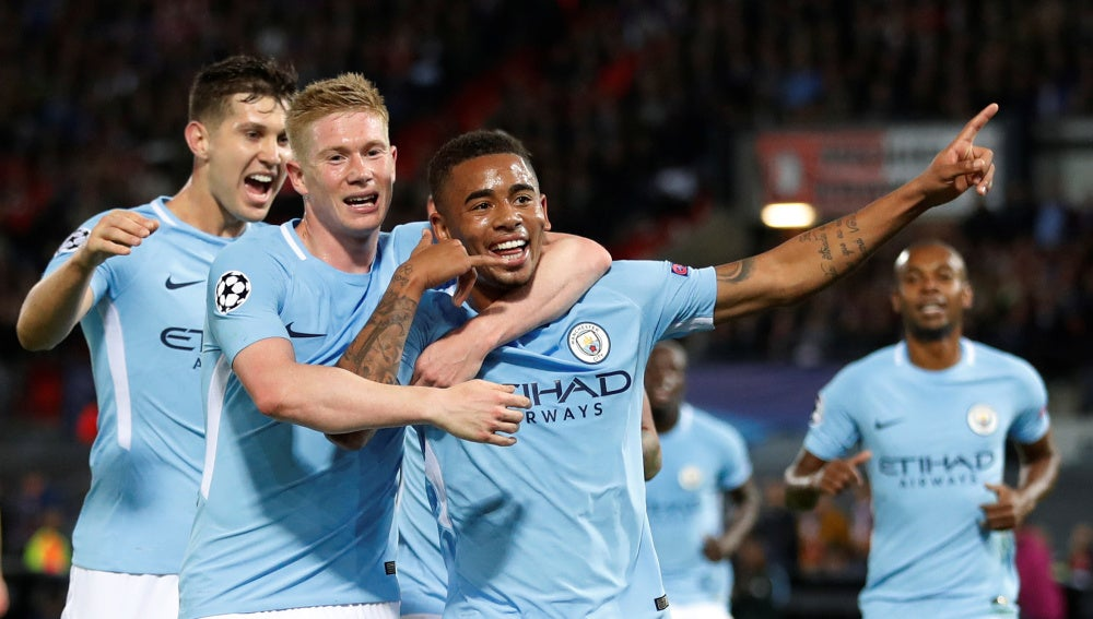 Gabriel Jesus celebra un gol con el Manchester City