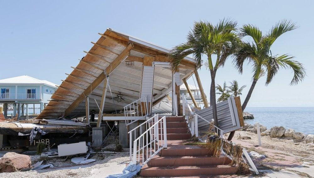 Fotografía de una casa destruída tras el paso del huracán Irma en los Cayos de Florida